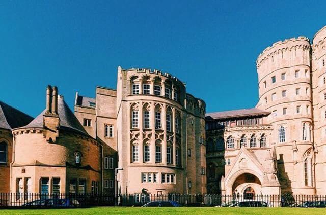 ウェールズのアベリストウィス大学のオールドカレッジ外観